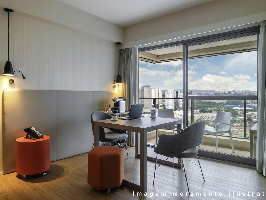 Chambre-bureau: appartement personnalisé comme un bureau