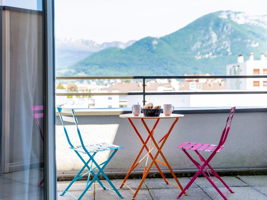 Estudio con balcón para un máximo de 4 personas