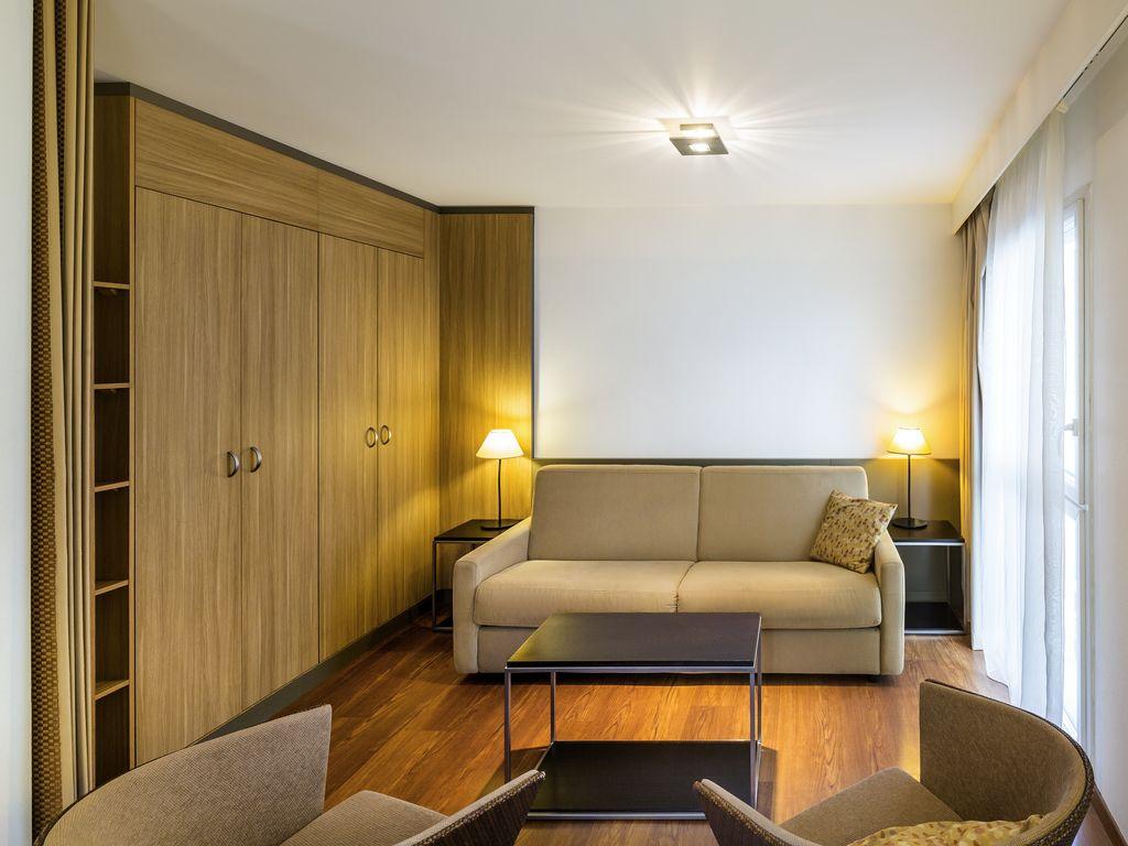 Studio mit 1 Doppelbett und 1 Schlafsofa