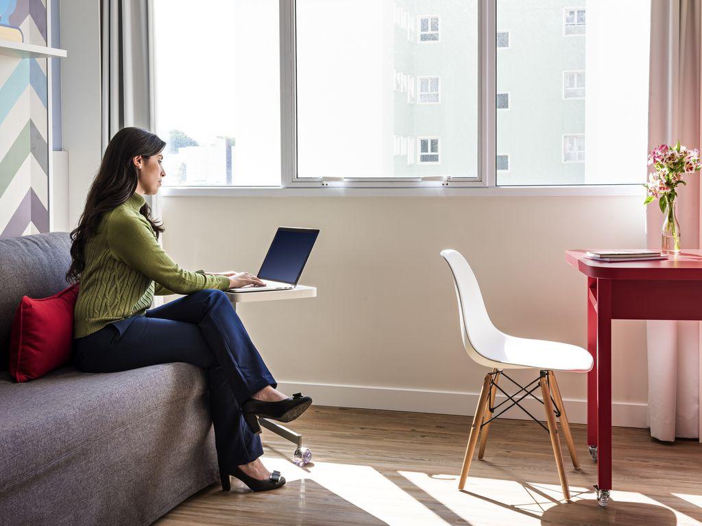 Chambre-bureau: appartement sans lit adapté en bureau