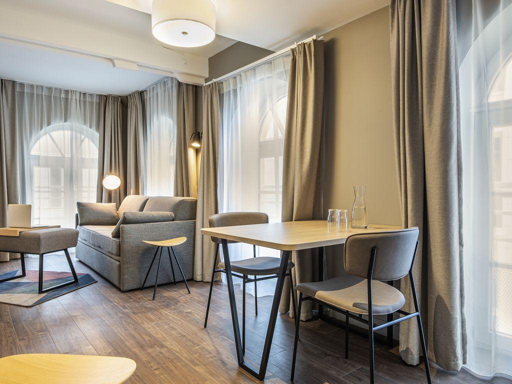 1 apartamento grande de um quarto para 4 pessoas